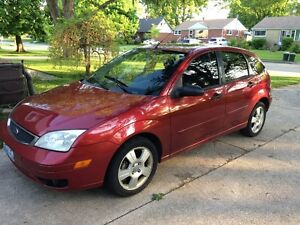 2005 Ford Focus ZX5 4 door Hatchback