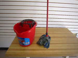 5- pc DOVE SET/20 inch towel bar/Mop and bucket--STRATHROY - London Ontario image 6