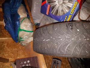 Pneus d'hiver Goodyear ULTRAGRIP Ice 195/65R15 sur jante 5x100