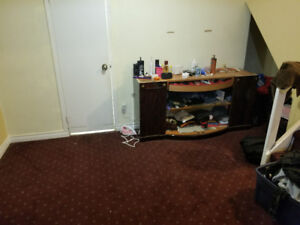 Room For Rent in Sharing For One month !