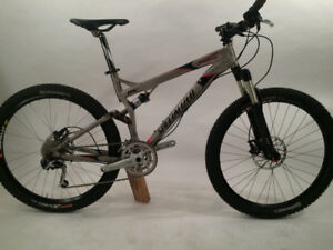 STOLEN SPECIALIZED MOUNTAIN BIKE - EDGEWATER