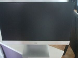 LG pavilon monitor 20xi inch works great good condition