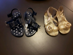 Toddler sandles size 6 ($5 each)
