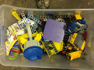 Rokenbok is a construction toy system that promotes STEM learnin