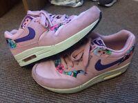 Nike air max 1, worn twice! Size 4