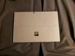 Surface pro 4 i7 8gb 256ssd + accessories