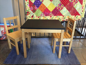 kids table w/2 chairs & Chalk top