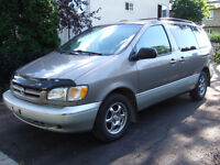 1998 Toyota Sienna LE, 7 places