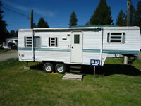 1997 Dutchmen 5th Wheel Holiday trailer