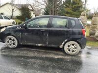 Black Chevrolet Aveo 5 Lt