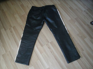 Women's Motorcycle Leather Pants -- Like New CONDITION!