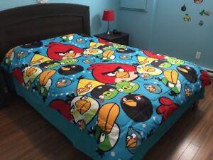 Douillette Angry Birds pour enfant – Négociable