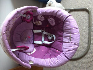 Baby swing minnie mouse graco