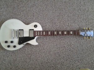 Gibson Les Paul Studio Electric Guitar in Excellent condition