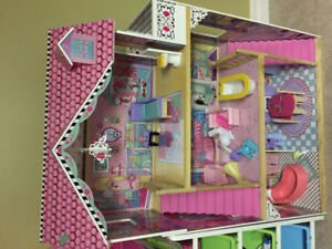 Barbie Doll House with furniture and accessories!