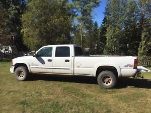 2003 GMC SLE 2500 HD **reduced must go**