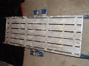 4 ft aluminium plank-step lader with handle