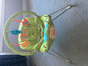 Infant vibrating chair with removable toy bar