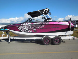 2015 Nautique Super Air G21 - LOADED XR 550 ENGINE & 25 HOURS!