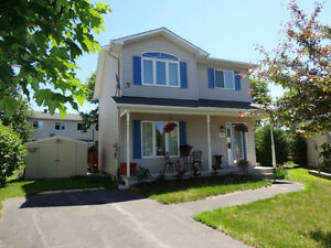 Well maintained 3+1 bedrooms home in Rockland