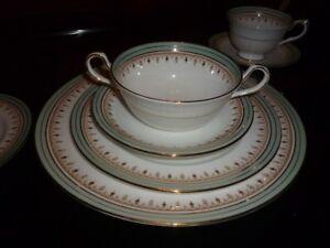"Service de vaisselle Aynsley ""Lincoln"" England (017)"