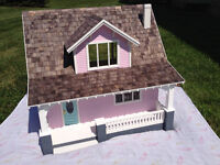 Beachside Bungalow Dollhouse - Christmas is coming!