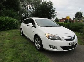 Vauxhall Astra 1.6I 16V VVT SRI 115PS (white) 2011