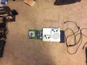 Xbox one s ( 1TB) console, two games included