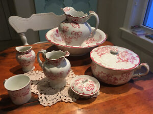 ANTIQUE COLONIAL POTTERY - FULL SET
