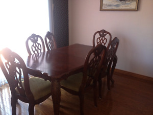 Bombay 6 person solid wood dining set