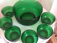 7 piece green glass set 1 large bowl and 6 small bowls