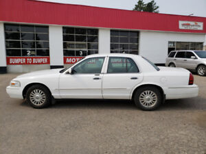 2006 Mercury Grand Marquis LS *Leather*Winter tires*Low km's*