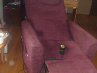 lift chair in very good condition.