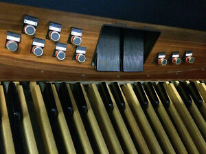 Rodgers 535 Organ (Sold in 2 days. We have others.) London Ontario image 4