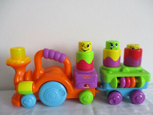 Train   Fisher  Price  Ricolo  Sonore  Et  Lumineux