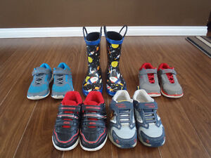 Toddler shoes lot
