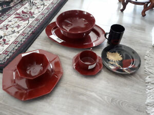 Casserole dishes and dinner set - buy all or buy seperately!!