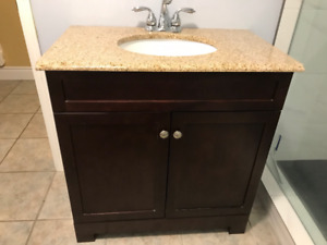 Perfect Condition Vanity With Granite Countertop