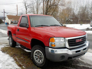 2005 GMC NEVADA EDITION 4x4 STEPSIDE TRUCK (shortbox)