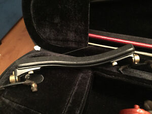 European violin with case and carbon bow Peterborough Peterborough Area image 3