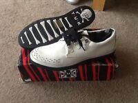 Men's size 11 white rocker sneakers. T.U.K like new