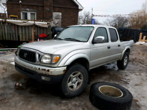 2002 Toyota 4x4 pick up for parts