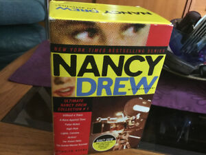 NANCY DREW SERIES 1-8 IN ITS OWN BOX, SOFT COVER. GOOD CONDITION
