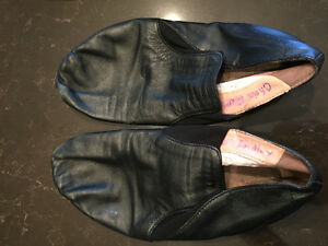 DANCE-Miscellaneaous items(shoes, tights, bodysuit)