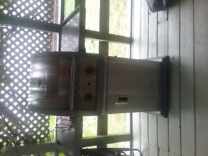 Coleman gas barbeque and 2 tanks