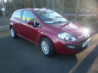 2011 Fiat Punto Evo 1.4 8v Active in red