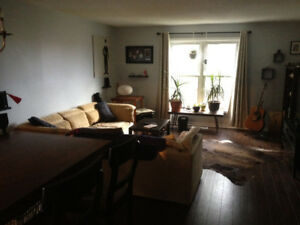 2 Bedroom Townhouse in the Heart of Main St.