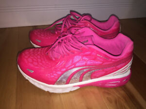 For Sale: Puma size 4 sneakers