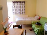 studio flat in Turnpike Lane, 10mins to station, bills incl., from NOW!