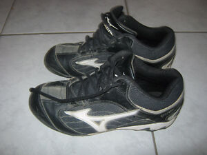 Soccer cleats shoes boys 7 & 9